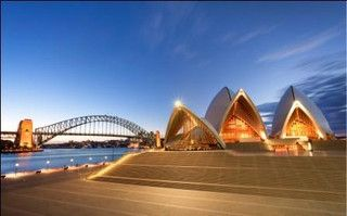 It is extremely easy to get infatuated with beautiful land of Australia. The land is surely the best place to experience the beauty of sun, sand and surf. However, Australia is quite a huge place to visit, and you should not ruin your #Australian #holiday by simply just showing up there without knowing exactly where to go and what to do.