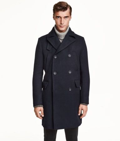 Bundle up with this H&M trench coat. The perfect gift for the stylish men in your life. #GiftOfStyle
