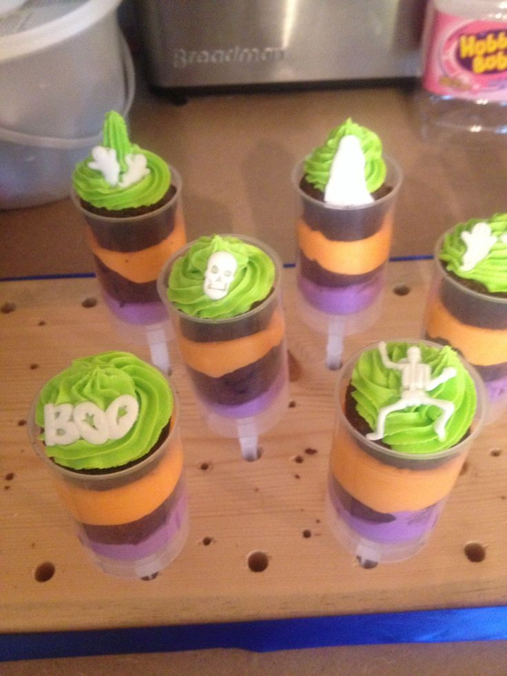 Halloween Cake Push Pops