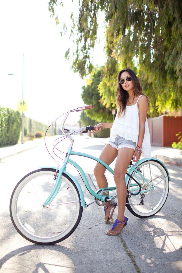 Style & Fashion. Bicycles Love Girls. http://bicycleslovegirls.tumblr.com/