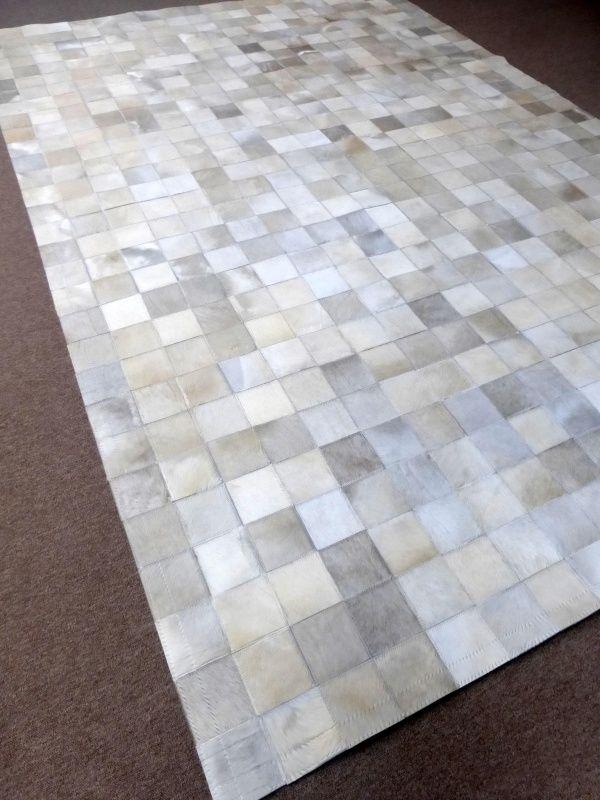 Wit Koeienhuid Patchwork Tapijt, 200 x 300 cm | Onmiddellijk beschikbare patchwork tapijten | Tapijten & Huiden