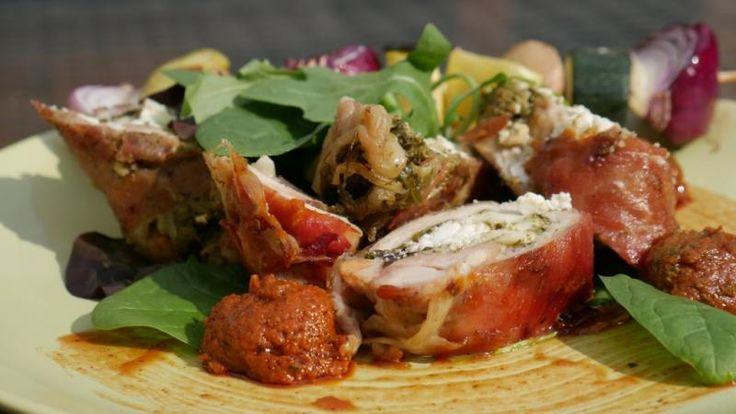 Napi grillreceptünk: Fetával töltött grillezett csirkecomb - Spa & Trend Online Wellness Magazin