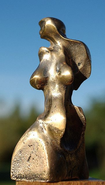 Louve 1993 bronze 7/8 poli miroir h = 10 cm