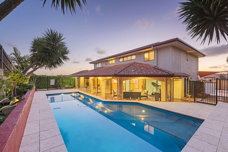CARINDALE 11 Ashbourne Close... Residing in one of Brisbane's highly sought-after family friendly suburbs, this commanding residence is positioned on an elevated 824m2.
