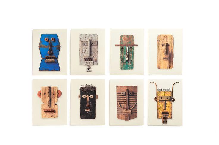 Ediciones exposición «Espejo del alma. Pep Carrió_Caras de madera». Caja con 8 estampas digitales (edición firmada y numerada de 100 ejemplares) y 3 Carteles 33 x 70 cm realizados con motivo de la exposición.Leer más ›