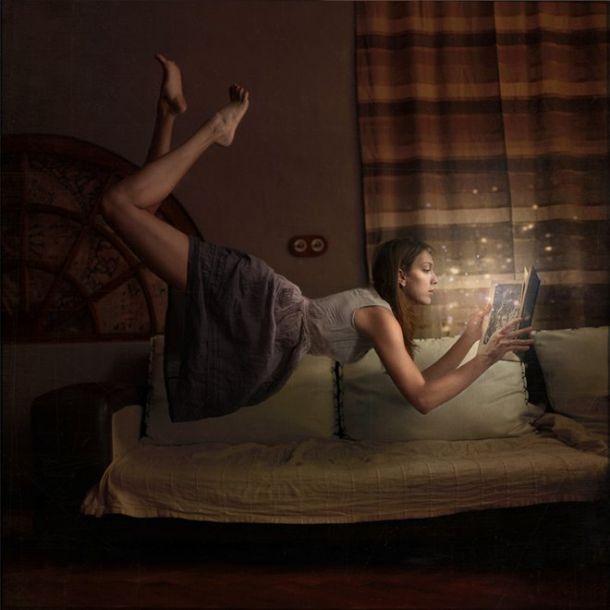 DISTORTED GRAVITY – LE MONDE À L'ENVERS PAR LA PHOTOGRAPHE ANKA ZHURAVLEVA