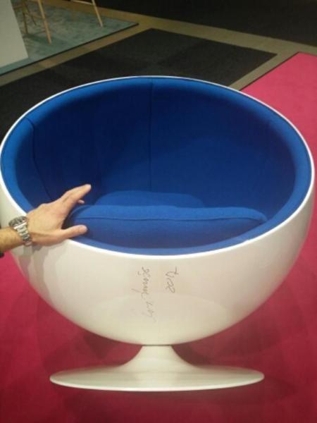 Stunning Angebotspreis g ltig bis zum Farben Blau und Sand GrauVerkaufe ab dem nur Tage als Ausstellungsst cke kurz in Gebraucht gewesen Ball Chairs