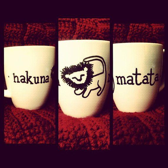Hoi! Ik heb een geweldige listing gevonden op Etsy http://www.etsy.com/nl/listing/127604691/disneys-the-lion-king-hakuna-matata-hand
