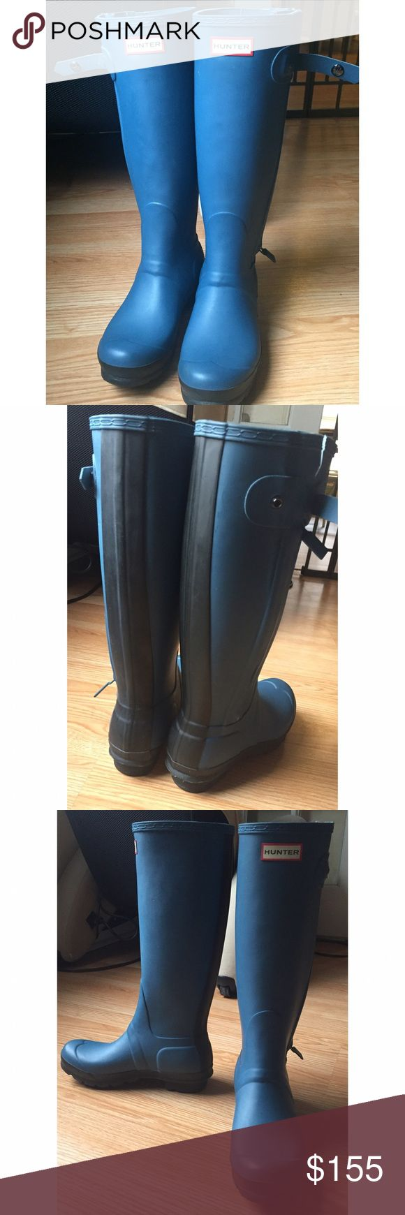 Hunter rain boots, blue hunter rain boots These Hunter rain boots are light used without box   Size : 7 EUC worn one or two times  Color: blue  These boots were bought directly in Australia   Tags for search :  hunter boots, Hunter rain boots, hunter blue boots, hunter blue rain boots, rain boots, winter boots, snow boots , blue boots , winter boots Hunter Shoes Winter & Rain Boots