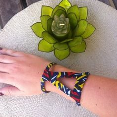 www.cewax.fr aime Bracelet manchette en tissu africain wax