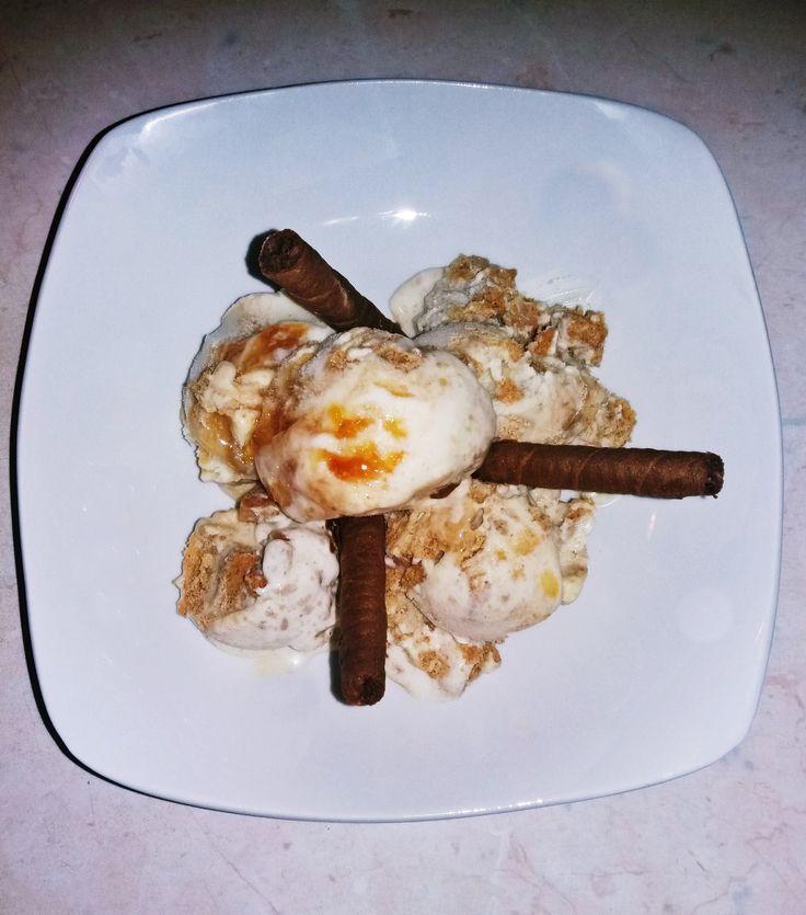 Απλό γιαουρτοπαγωτό! Simple ice-cream with yogurt!