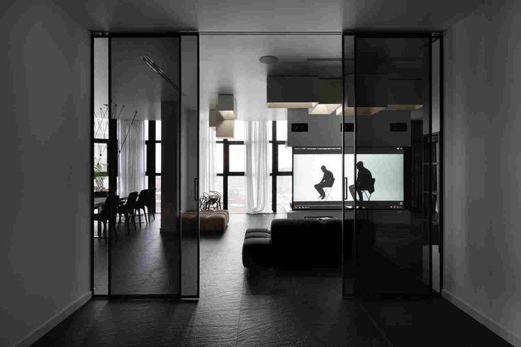 Чёрно-белая квартира для молодой пары