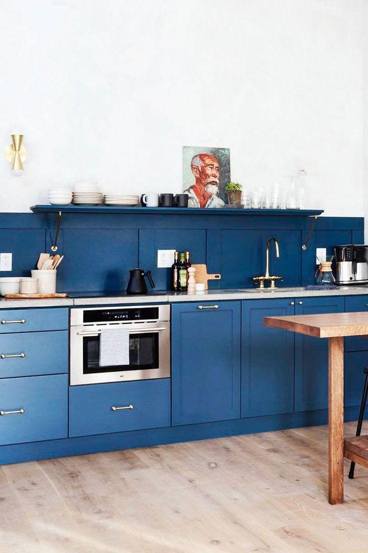 13 Gorgeous Contemporary Kitchens That Ll Stop You In Your Tracks Contemporary Kitchen Contemporary Style Kitchen Minimalist Kitchen Design