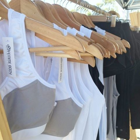 What a beautiful day for a market  We are at the Byron Bay Markets • Come say hello! ✌️ #femmebodyactive #byronbay #beautiful #markets #fun #fitness #athleisure #activeliving #weekends #sunday #fitnessgirls #sportsluxe #feminine #activelife #happiness