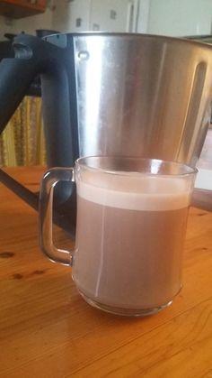 Ce matin sur l'idée de cette recette http://cintit76.overblog.com/search/chocolat%20chaud/, j'ai fait plaisir à ma fille pour le petit déjeuné. C'est partie pour la recette Ingrédients 100 g de chocolat de paques (simple) 130 g de lait Préparation Casser...