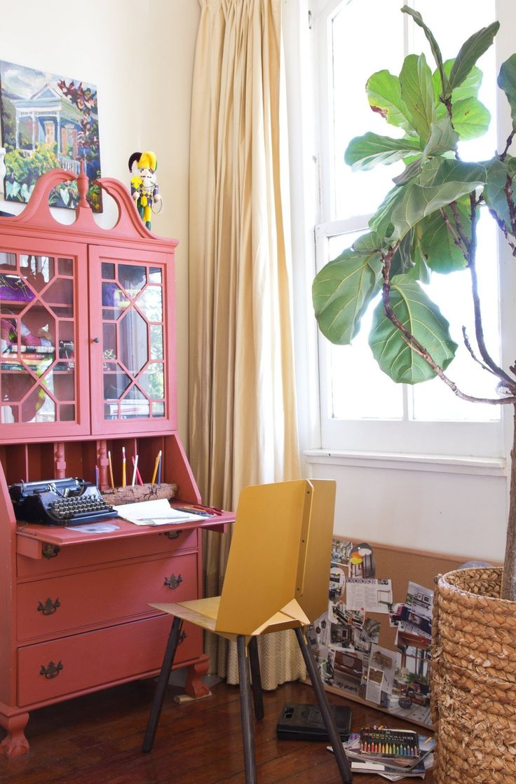 """Alex's Layered, Laid-Back Uptown New Orleans Rental (NOTE: """"office"""" in corner of living room, by window)"""