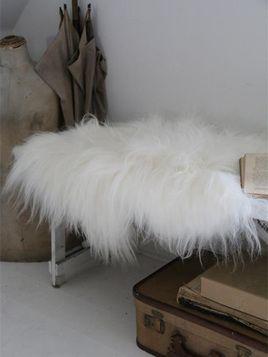 Jeanne d'Arc Living Icelandic Fur