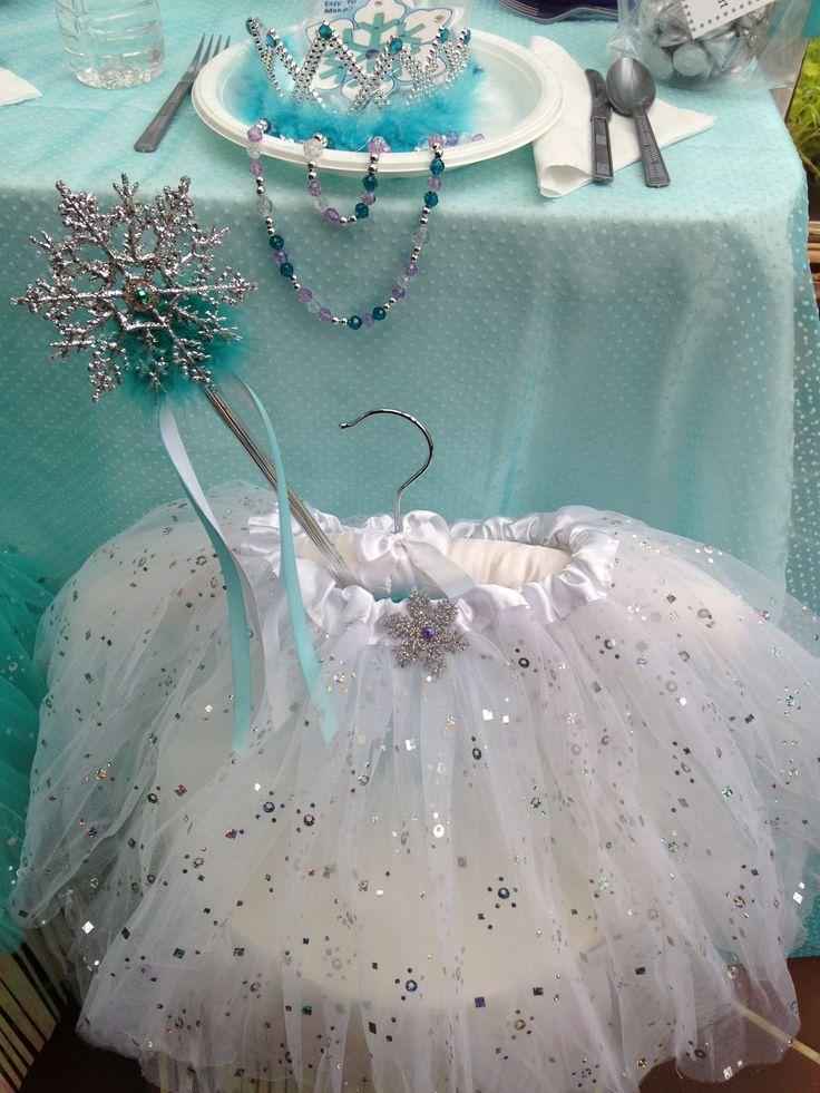 Frozen Princess Birthday Party Ideas. Find Frozen Princess party favors ideas at My Princess Party to Go. http://www.myprincesspartytogo.com  #disneyfrozenparty #princesspartyideas #princessbirthdaypartyideas