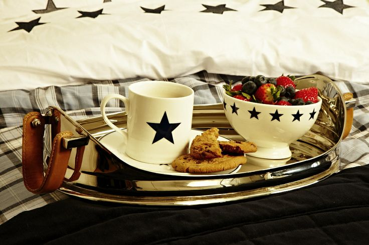 Brakfast with FLORENCE! steel tray, Florence star porcelain and Florence Design Bedding-Set. Start your day with Florence <3