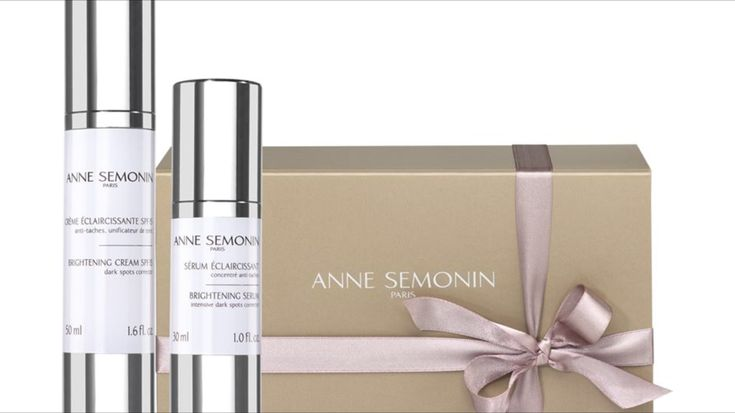 Review of luxury skincare brand Anne Semonin brightening serum and moisturiser duo. For treating age spots, pigmentation and ageing. Available from Harrods.
