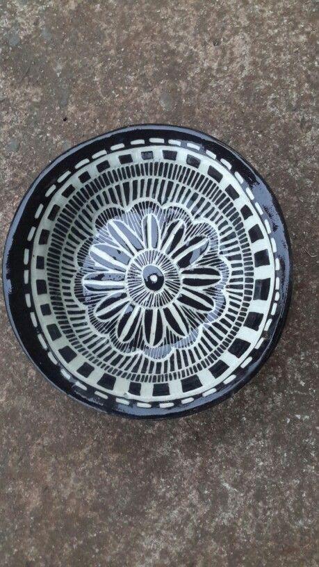 Black and white sgraffigo bowl