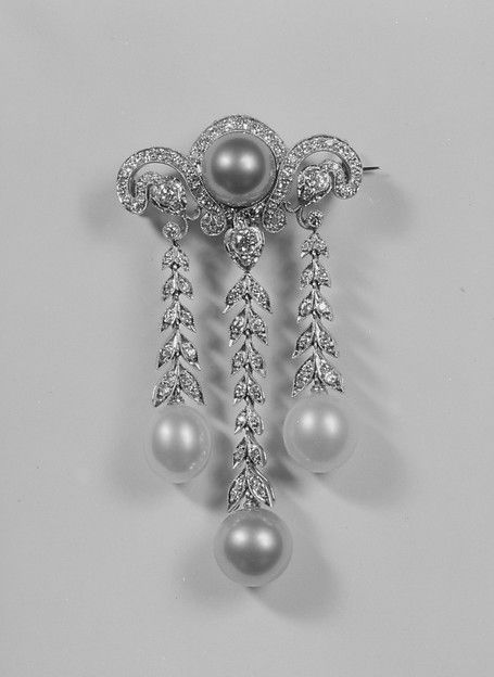 1910 Probably Tiffany & Co. Brooch, American, diamonds, pearls, platinum   The Met