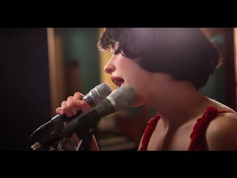 """© 2011 WMG """"Plain Gold Ring"""" recorded live at Sing Sing Studios in Melbourne, Australia. Kimbra's debut album VOWS is out now in the US, CA, Australia, and N..."""