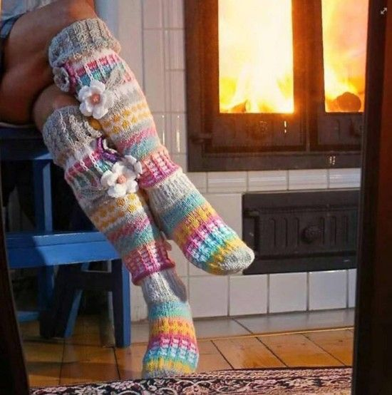 Knitted Knee High Striped Socks Pattern