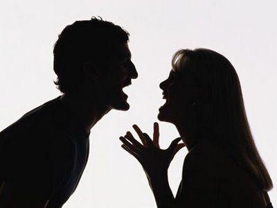 VIDEO: CÓMO DEJAR DE DISCUTIR CON TU PAREJA en el que te doy breves consejos para no enfrascarnos en discusiones constantes con nuestra pareja