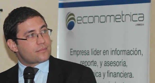 El economista Ángel García Banchs considera que hay signos muy evidentes de que estamos llegando al colapso del control de cambio, habiéndose producido en