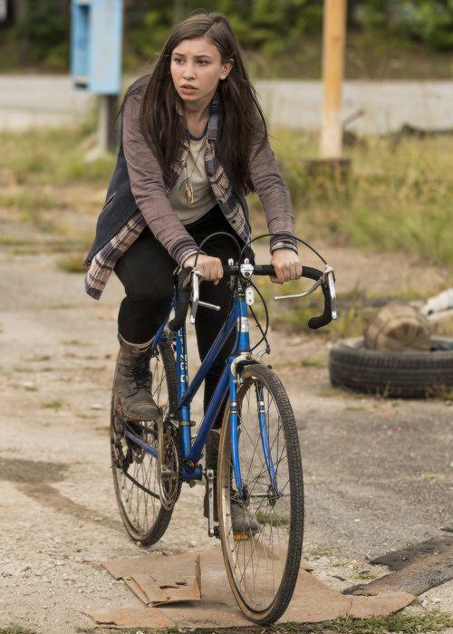 Enid in The Walking Dead Season 7x05 | Go Getters
