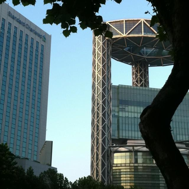 서울 종각역 기괴한 건물