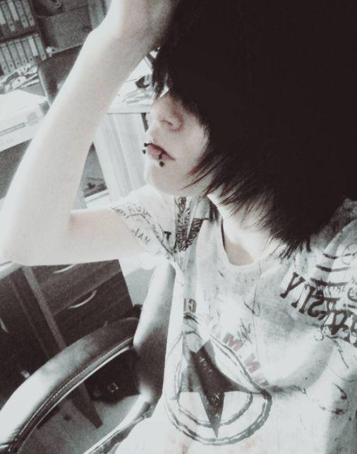 Instagram: xsascha_kunx