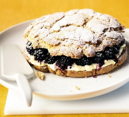 We found this delicious recipe that teams blackberries with clotted cream. A perfect Autumn dessert!