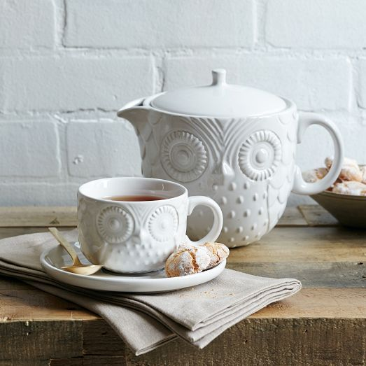 Serve tea (or coffee or juice) with our Owl Tea Pot + Tea Cup. Made of porcelain with a lift-off lid, they're a wise + witty addition to any kitchen.