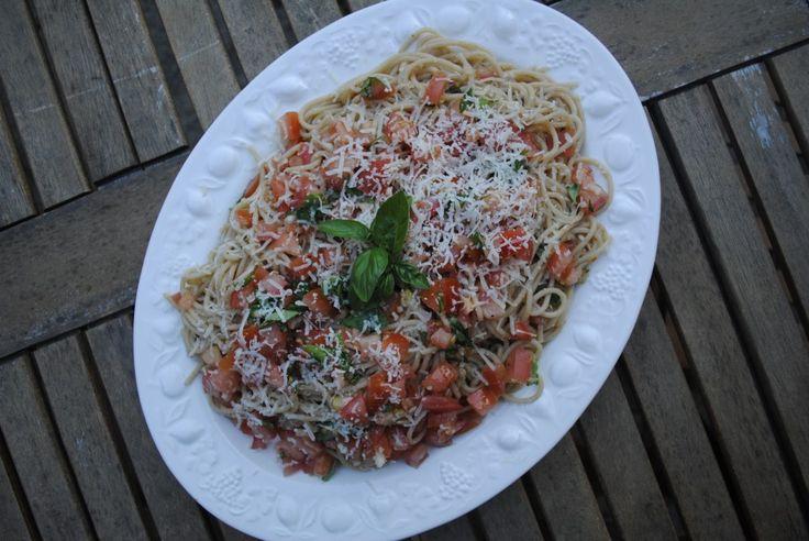 Tomato and Basil Summer Spaghetti - whole wheat spaghetti (I would try spaghetti squash!), olive oil, lemon juice, garlic cloves, tomatoes, fresh basil, sea salt & black pepper, Parmesan cheese