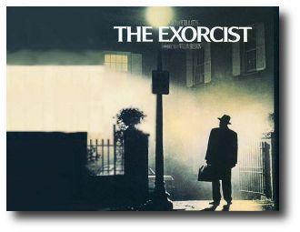 El cine de terror ha encontrado en el genero de lo paranormal, uno de sus nichos que más le han redituado en los últimos años. Para el publico ir al cine a ver una película cuya trama muy probablemente sucedió en realidad, es sin duda muy atractivo. Por ello, aquí están las 10 mejores películas paranormales basadas en hechos reales.