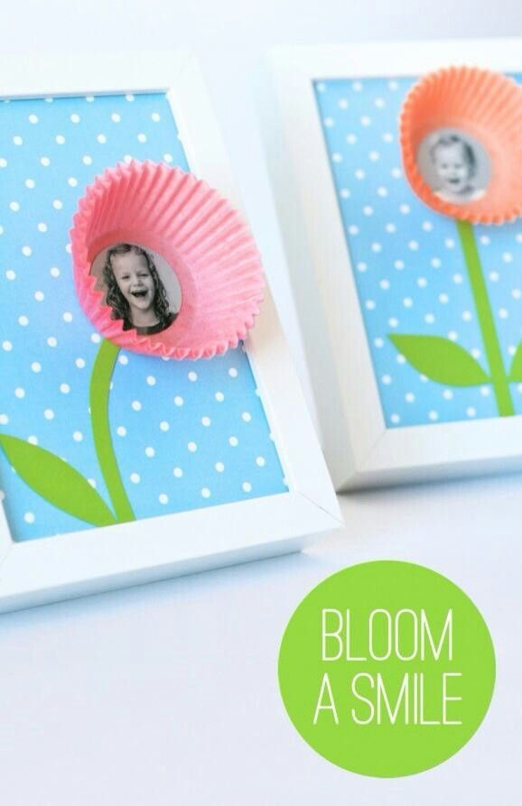 This would make such a cute Mothers Day or any day gift. So simple. Frame, scrapbook paper, cupcake liner and photo.