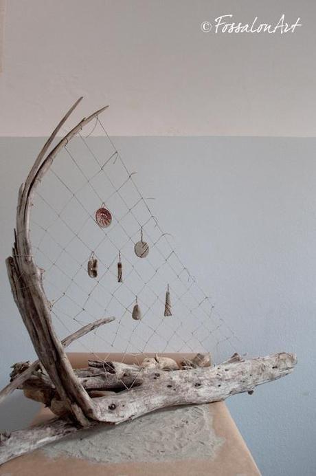 Espositore per orecchini realizzato a mano in legno e corda