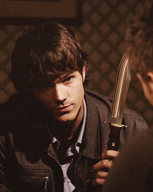 How can someone look THIS cute while holding a knife? <-- The power of Sam.
