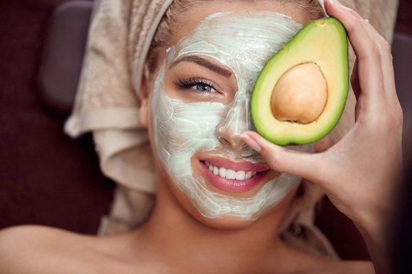 ماسكات طبيعيه لترطيب البشره ماسك لترطيب الوجه وتفتيحه Prevent Wrinkles Naturally Avocado Face Mask Nighttime Skincare