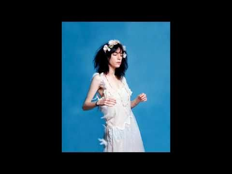 Patti Smith ~ Dancing Barefoot (HQ Audio).  This song, people ...