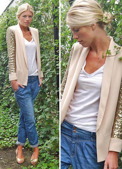 sequins.Boyfriend Jeans, Sequins Blazer, Fashion, Hair Colors, Style, Outfit, Gold Sequins, Blazers, Boyfriends Jeans