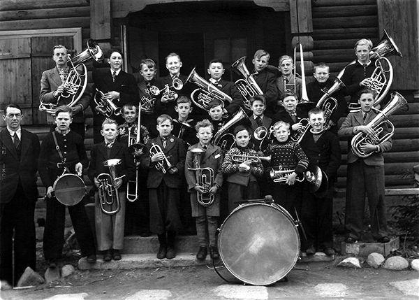 Nr. 20. Ål Gutemusikk, 1944. Dirigent Jakob Helgestad. Utlånt av Odd Olsen