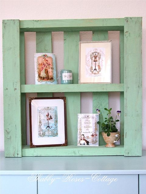 This would be cute in my dining room! Think I'm going to go for it : )