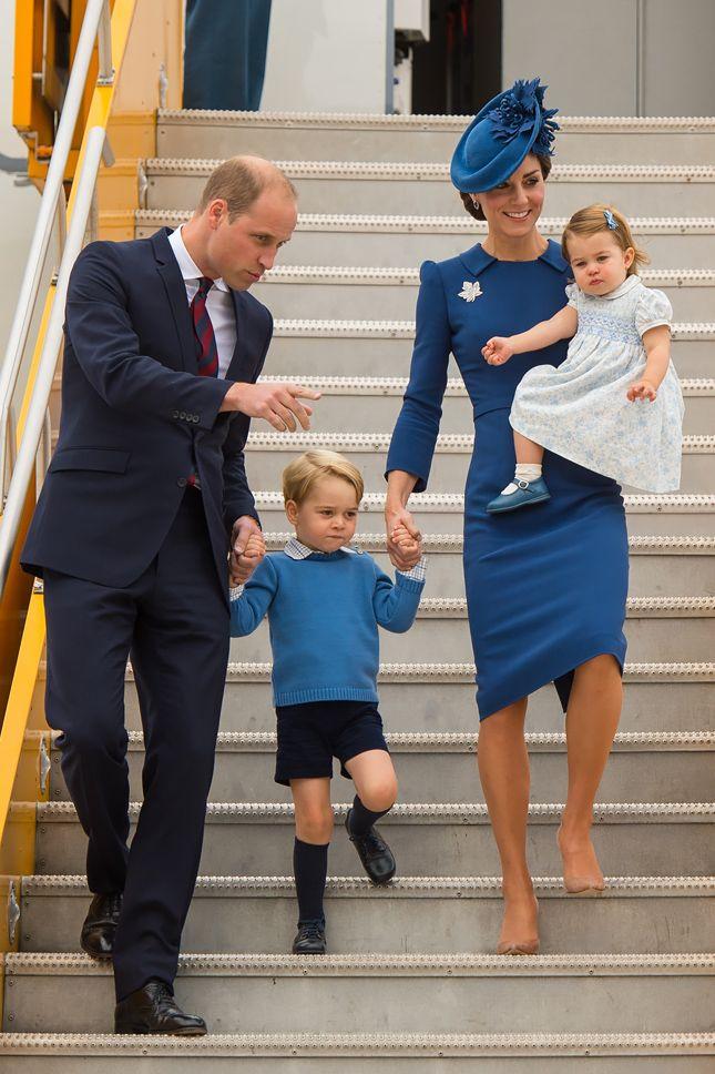Принц Уильям, принц Джордж, Кейт Миддлтон в платье Jenny Packham и принцесса Шарлотта в Канаде