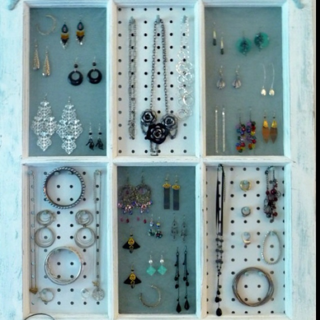 Old window jewelry organizer craft ideas pinterest for Craft projects using old windows