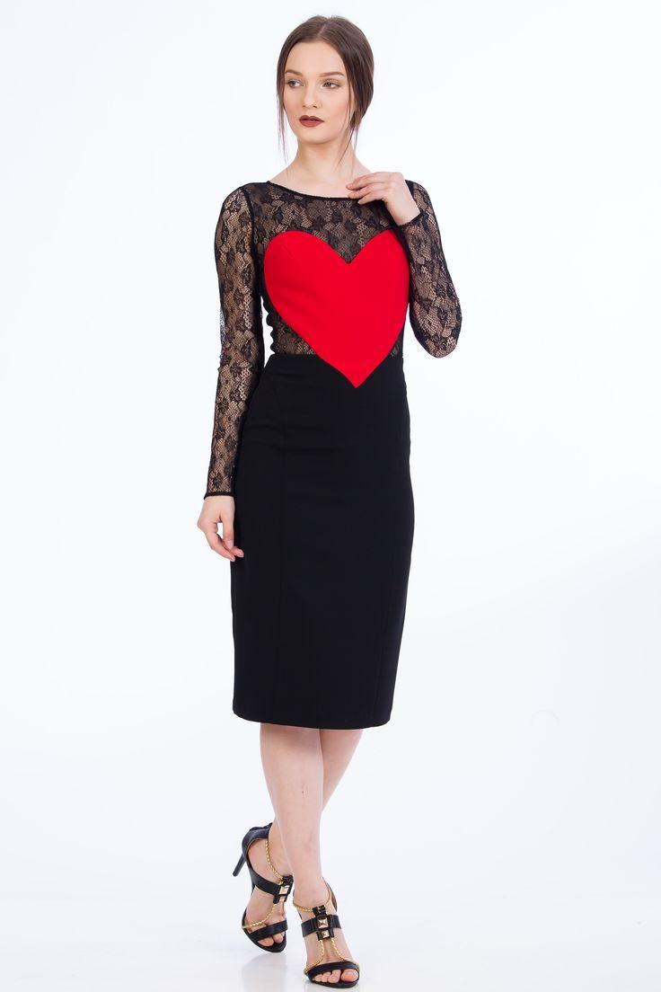 Rochii elegante, rochii de seara, rochii de ocazie Little Black dress. Rochie neagra #fashion #style #littleblackdress #red #heart #rochiedeseara #negru #rosu #inima