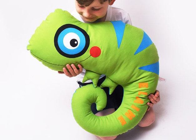 Riesiges Chamäleon zum Kuscheln mit Namen / cute and big chameleon for cuddeling, customize with name by Josefines Kinder via DaWanda.com