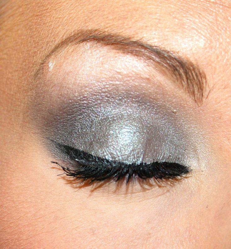 The 25+ best Grey smokey eye ideas on Pinterest | Smokey eye ...
